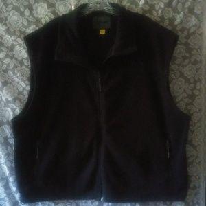CABELA'S black zip up/sleeveless  fleece.size 2x💋